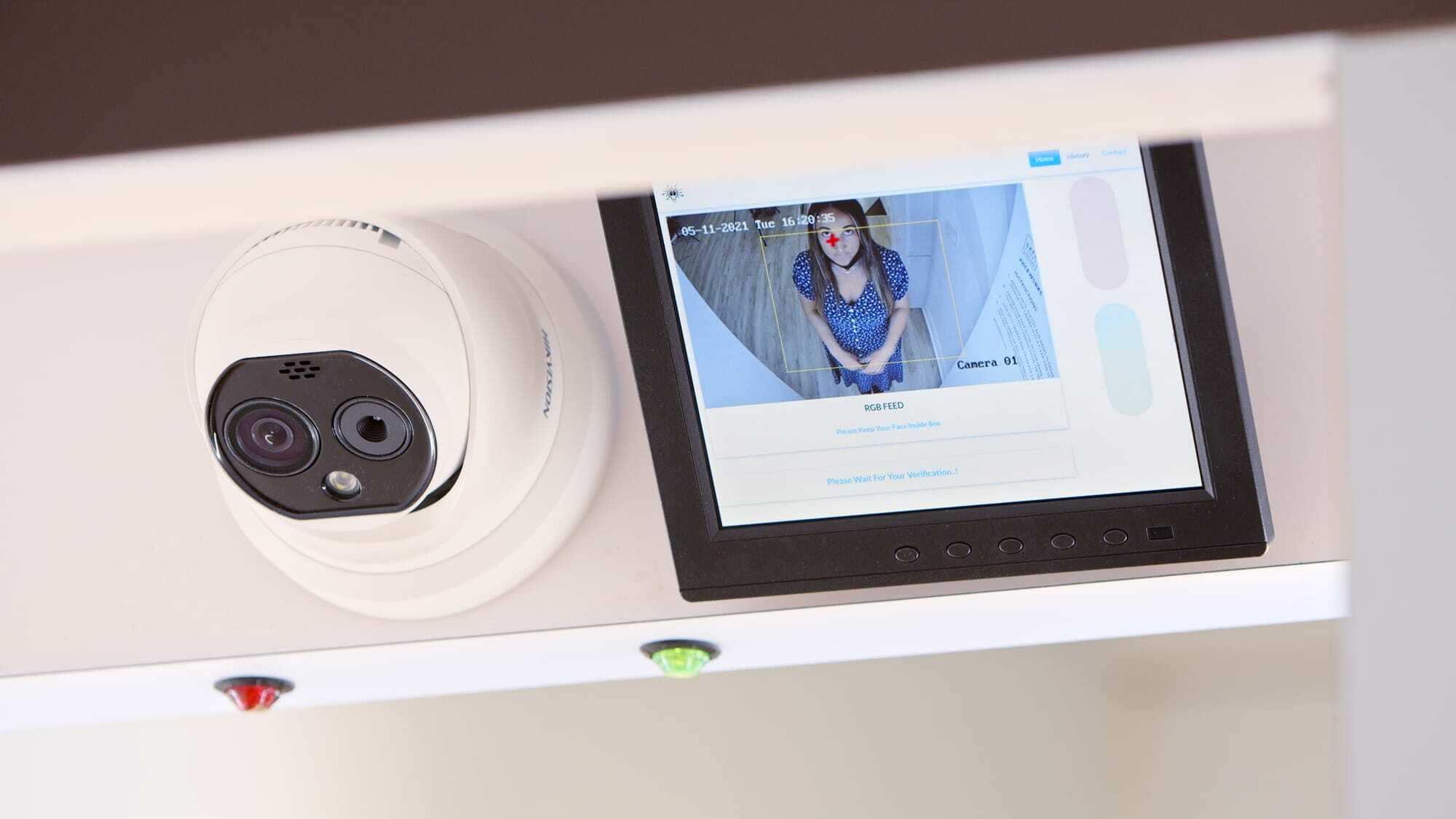 Image of a PredictMedix scanner in a clean looking office or clinic